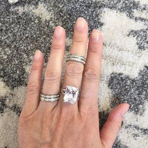 Jewelry - Set of 4 cubic zirconia bands